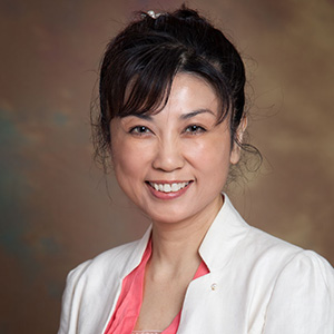 Ayako Huang