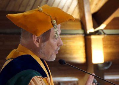 mum 2018 graduation 2500 4k.mp4.00_30_41_25.Still062
